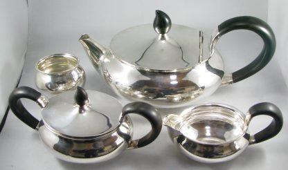 Massief 835 zilveren theeservies (4 delen) gustav beran